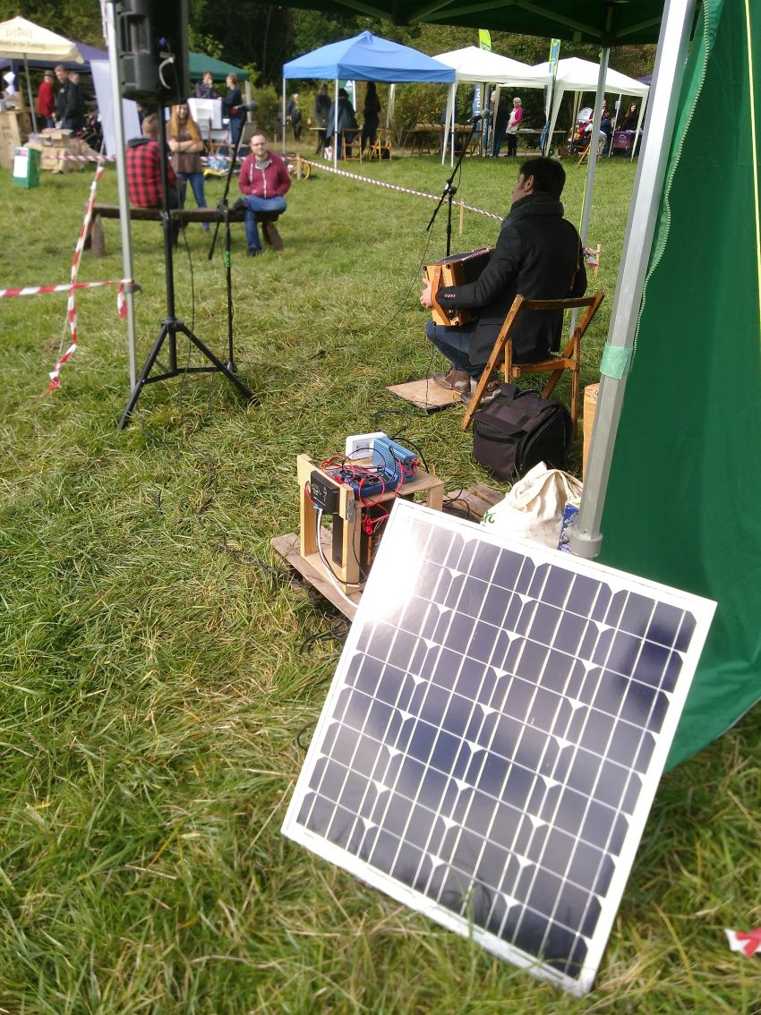 Autumn Fayre 2019 - solar-powered music
