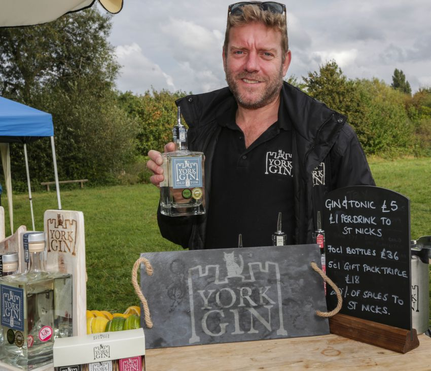 Autumn Fayre 2019 - York Gin, by L. Outing